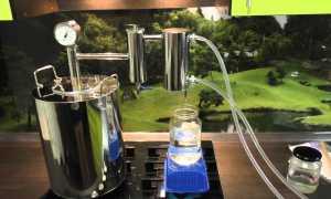 Как правильно перегнать самогон второй раз: надо ли разбавлять и разводить водой