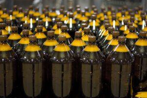 Пластиковые бутылки с пивом
