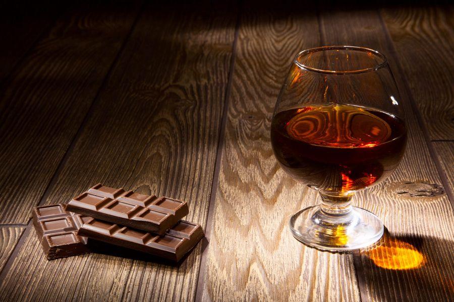 Коньяк с шоколадом