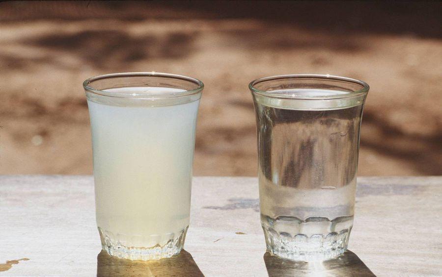 Разница между мутным и прозрачным напитком