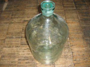 Бутыль со стеклянной пробкой